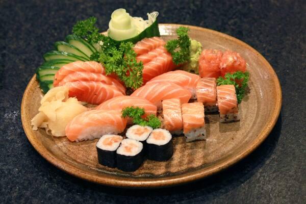 Nagairô salmão - 20 peças - 1 pessoa