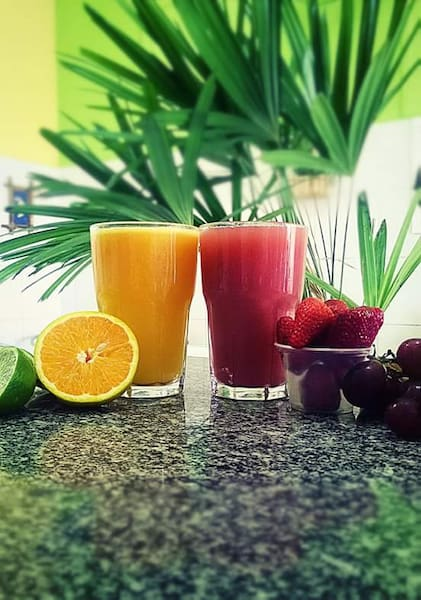 Sucos com laranja