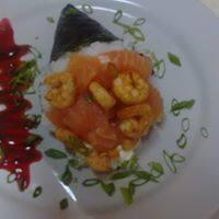 Temaki de salmão e camarão