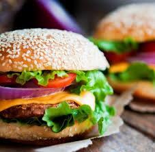 2 hambúrguer  de carne por R$ 15,00