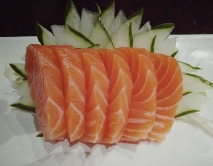 Sashimi de Salmão - 06 unidades