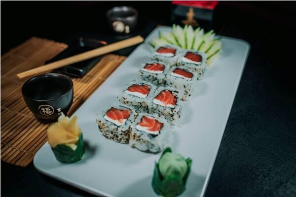 Uramaki de salmão fila - 8 peças
