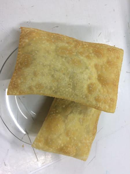 Pastel carne com queijo