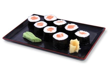 Hossomaki de salmão (shakemaki)