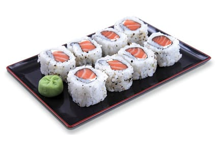 Uramaki de salmão (com cream cheese)