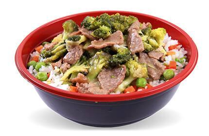 Yakimeshi + carne com brócolis (com arroz)