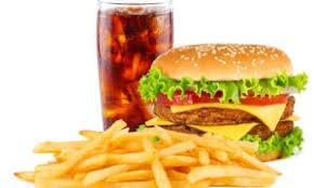 Picanha burguer +  porção de fritas + refrigerante lata