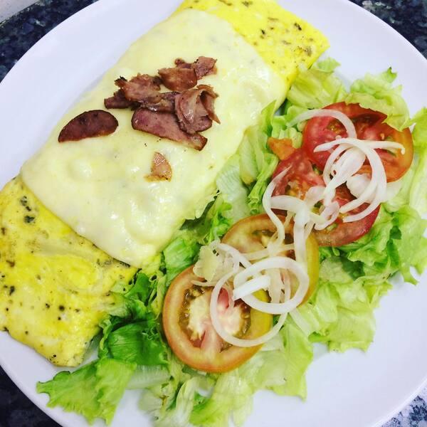 Omeletão de calabresa