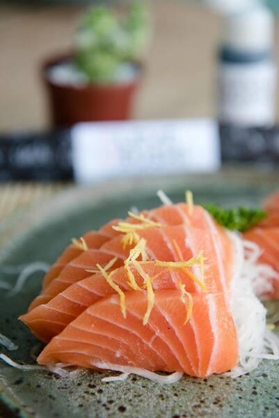 Sashimi de salmao trufado - 8 unidades