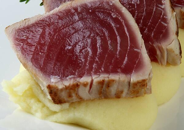 Novo! Atum com purê de wasabi