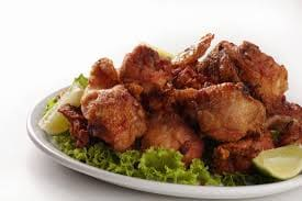 Porção de frango à passarinho
