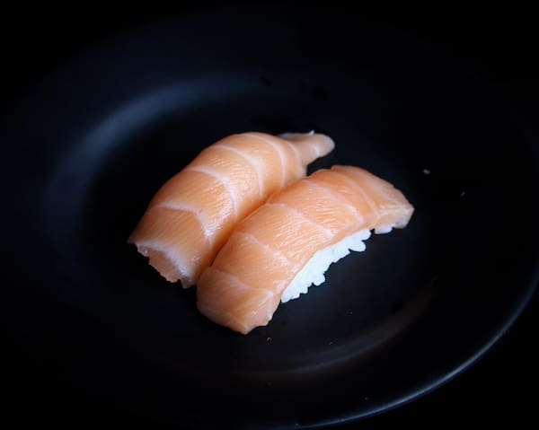 Niguiri de salmão - 2 peças
