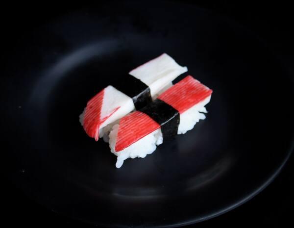 Niguiri de kanikama - 2 peças