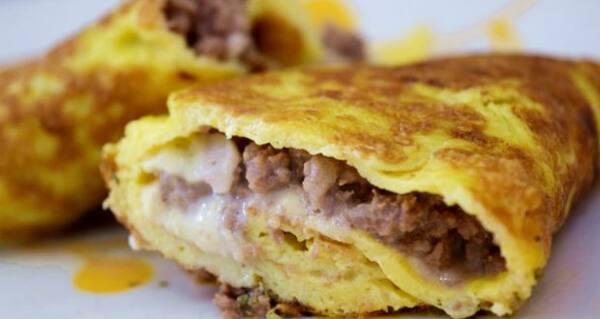 Omelete de carne seca com queijo