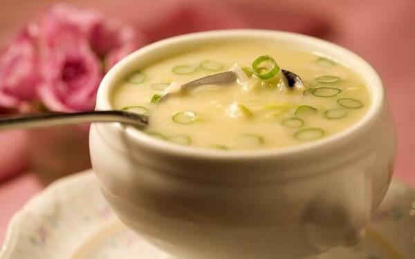 Sopa de Batata doce com alho poro