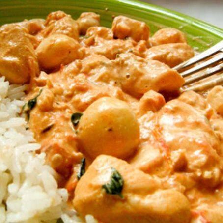 1 kg de estrogonofe de frango,800 g de arroz branco,200 g de batata palha,+ coca cola 2lt