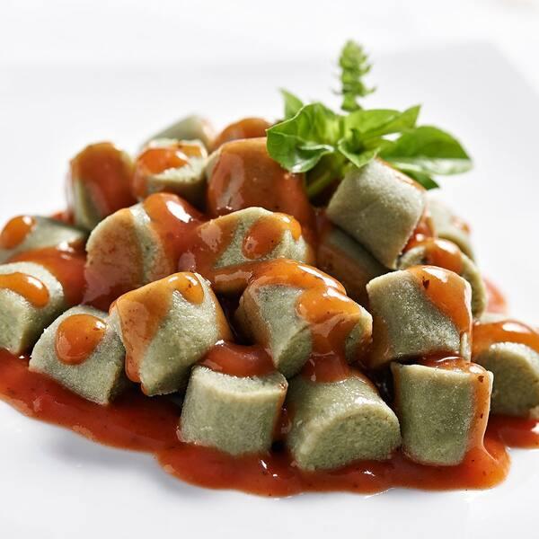 Nhoque de batata doce com brocolis integral ao molho sugo 300 g a