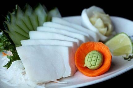 Sashimi de anchova negra