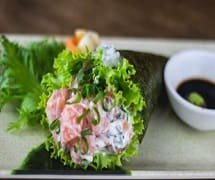 Temaki salmão, cream cheese e cebolinha