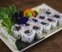Uramaki de atum c/ cream cheese (10 un)