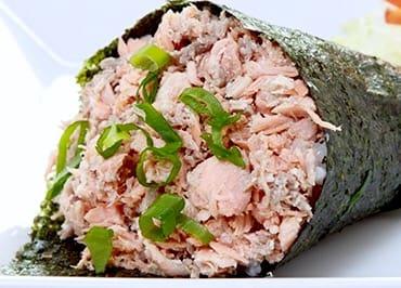 210 - temaki de salmão grelhado