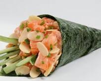 70 - temaki de salmão especial