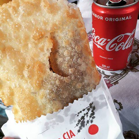 Combo master  1 pastel + 1 Coca-Cola 220 ml