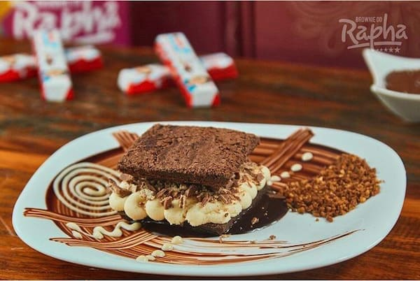 Brownie do rapha - Ninho com Kinder chocolate - 90 gramas