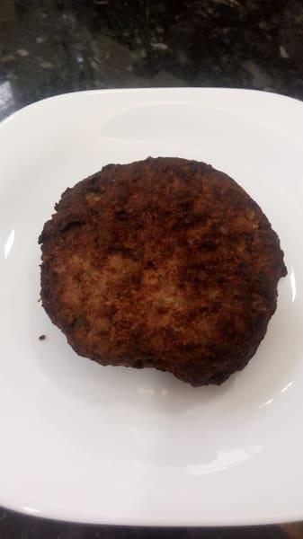 Bolinho de carne com queijo