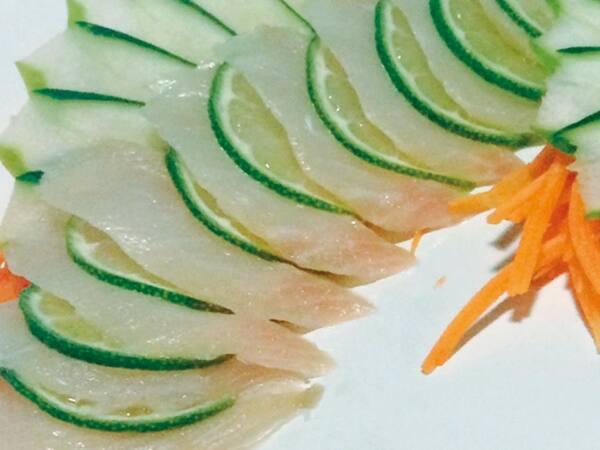 Sashimi peixe branco (10 lâminas)