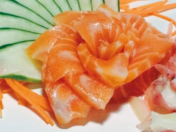 Sashimi salmão (10 lâminas)
