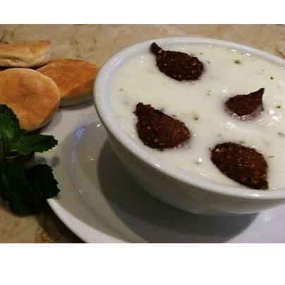 Sopa árabe com kibe