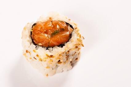 Uramaki (mínimo: 4 unidades do mesmo sabor)