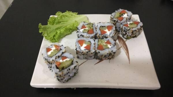 Uramaki vegetariano (8 unidades)
