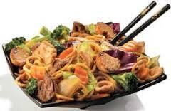 Yakisoba mista (carne e frango)