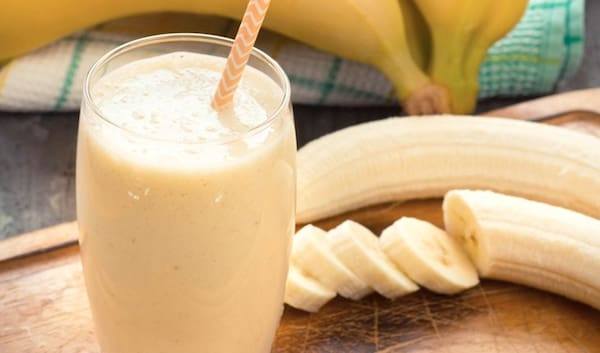 579 - suco vitamina de banana com cereal