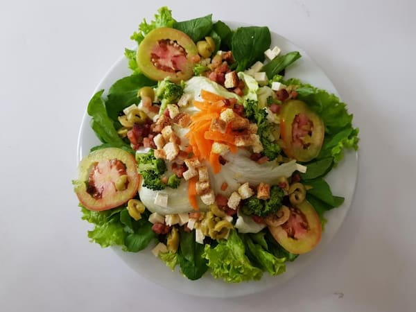 Salada até 8 Acompanhamentos