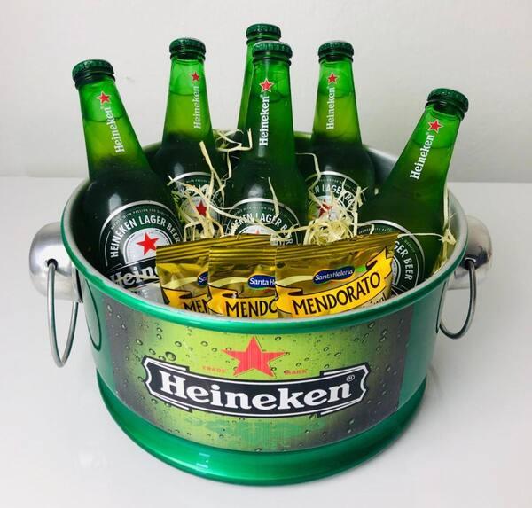 Kit cerveja Heineken long neck 330ml+ baldinho em alumínio