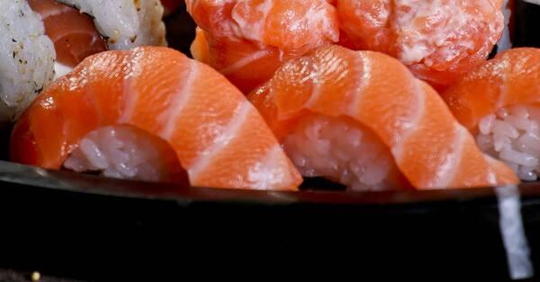 Niguiri salmão (2 unidades)