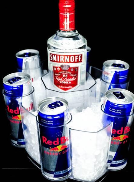 COMBO VODKA SMINORFF 900 ml + 5 RED BULL (lata )