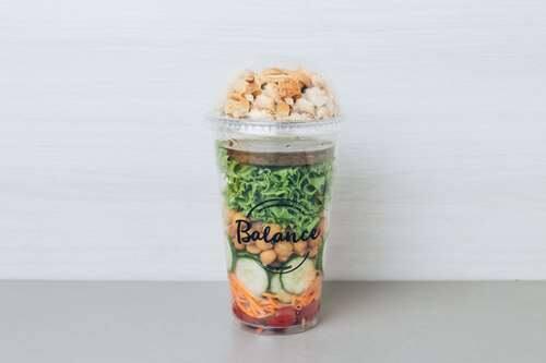 Salada grão de bico vegana - 557kcal