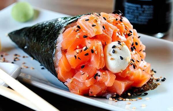 Temaki médio - salmão