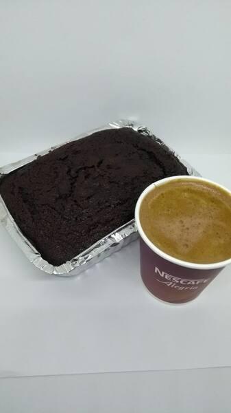 Combo 1 mokaccino 180 ml+1 bolo de chocolate