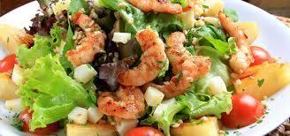 Salada de camarão rica