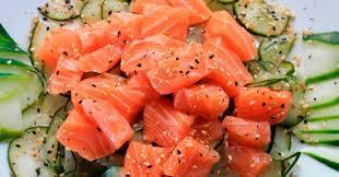 10-esquimono ( trata-se da salada sunomono com salmão )
