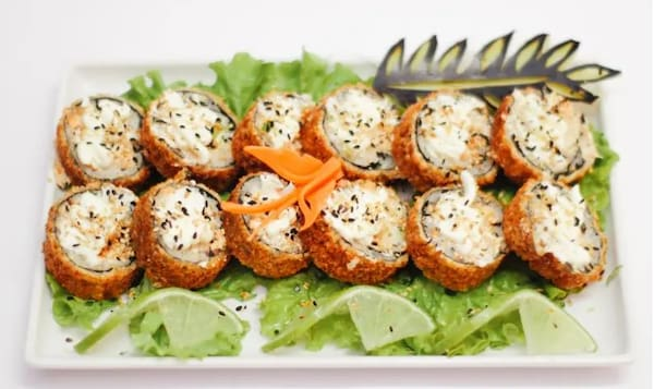 Combo hot roll + 2 temakis + refrigerante 600ml
