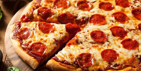 Promoção pizza média: sabor especialidades