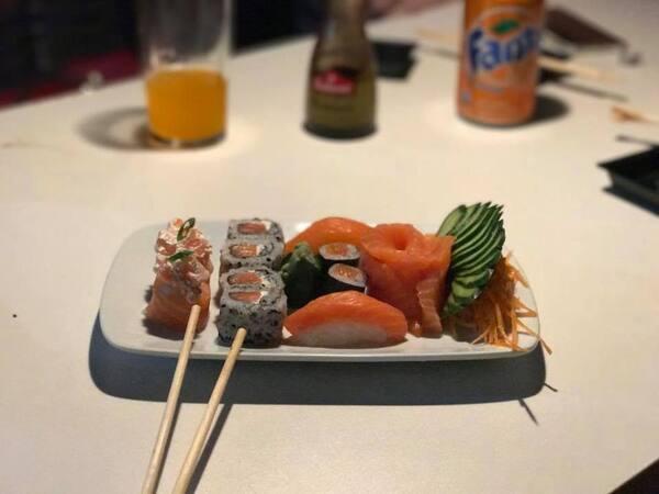 83 - sushi mix - 15 peças
