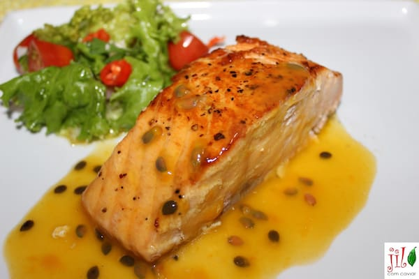 101 - salmão ao molho de maracujá