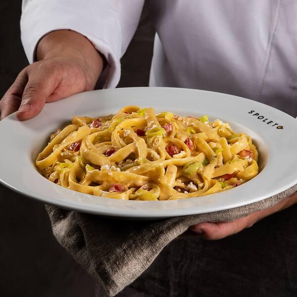 Massa italiana tamanho tradizionale 200g + molho + ingredientes